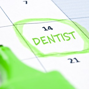 Calendar-mark-with-Dentist